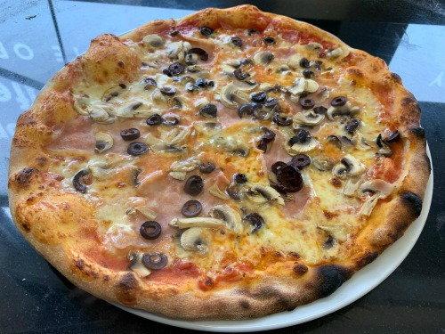 Pizza Prosciutto Cotto e Funghi Italian Food Evesham
